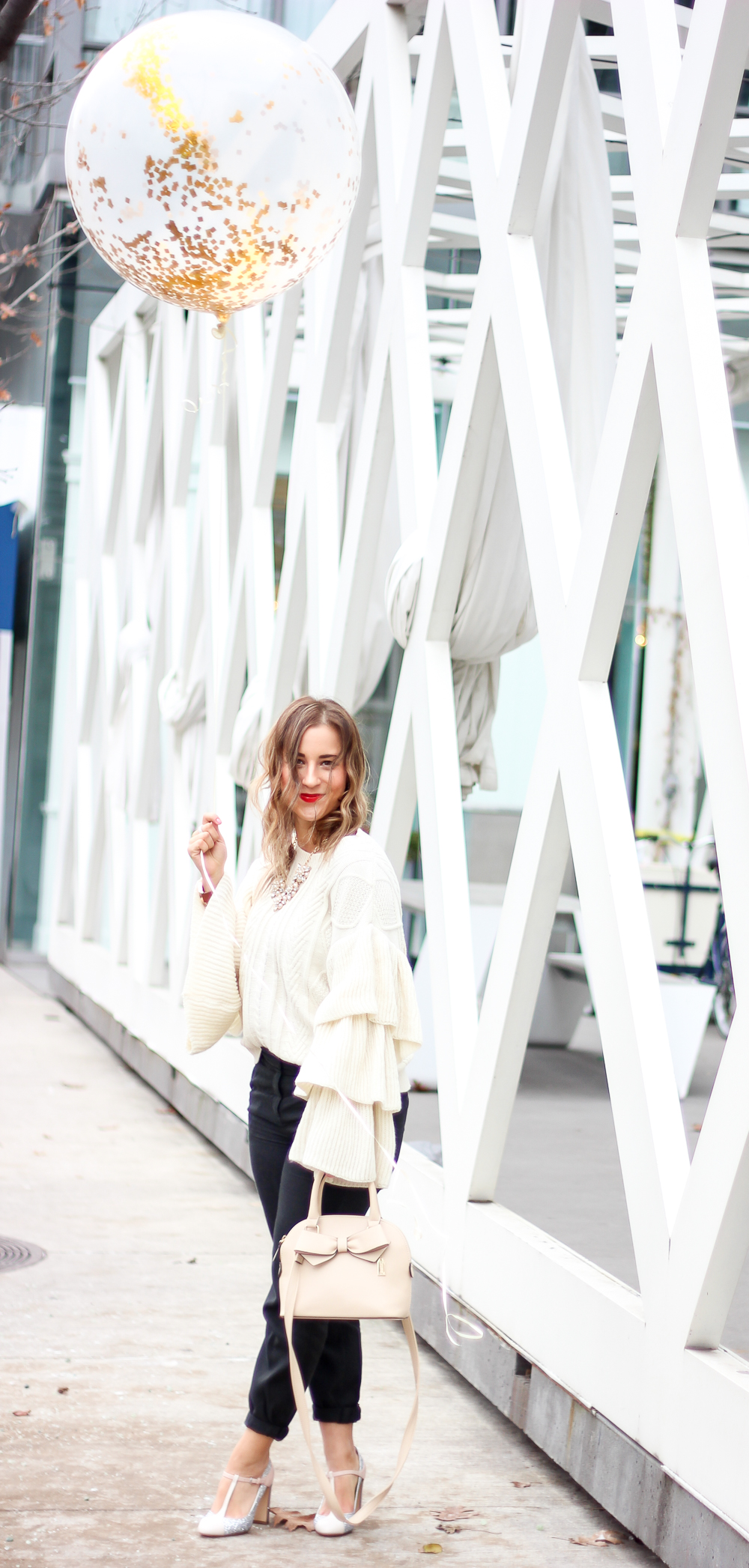 Canadian fashion and lifestyle blogger from Something About That, shares her tips to stay motivated all year